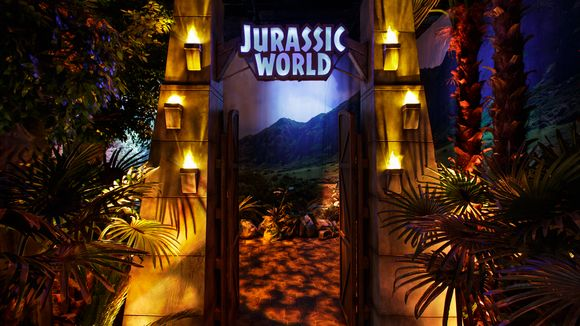 Jurassic World Exhibit Comes to the Franklin Institute