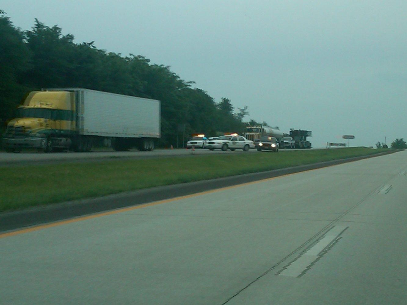 Interstate 435 closed when body found in car