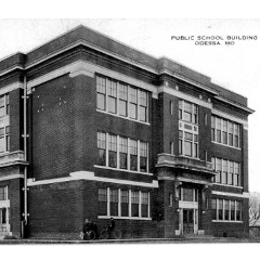 Board Discusses 1912 Building
