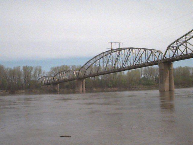 Eastbound lanes of I-70 bridge over Missouri River open