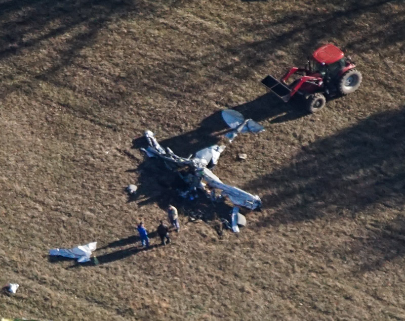 Pilot injured when small plane crashed in Clinton County