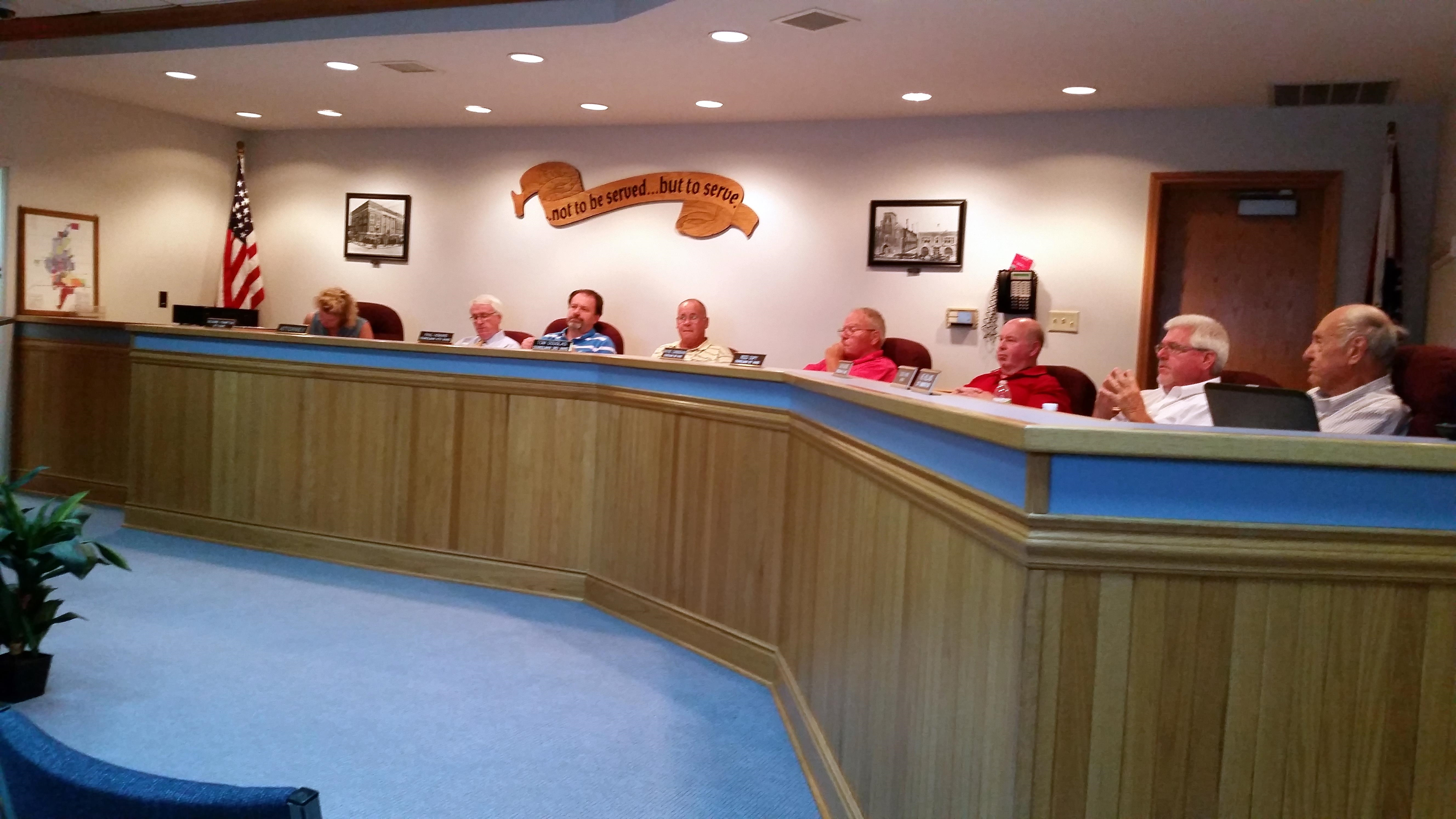 Sidewalk plan and rail spur expansion decided on by Chillicothe Council