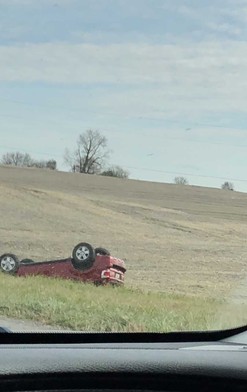 DEVELOPING: Multiple emergency personnel respond to rollover accident on 65 Highway in Saline County
