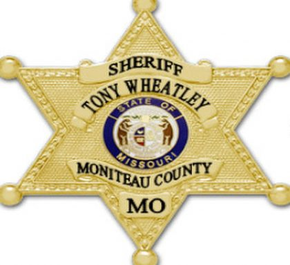Drugs and stolen gun recovered following arrests in Moniteau County