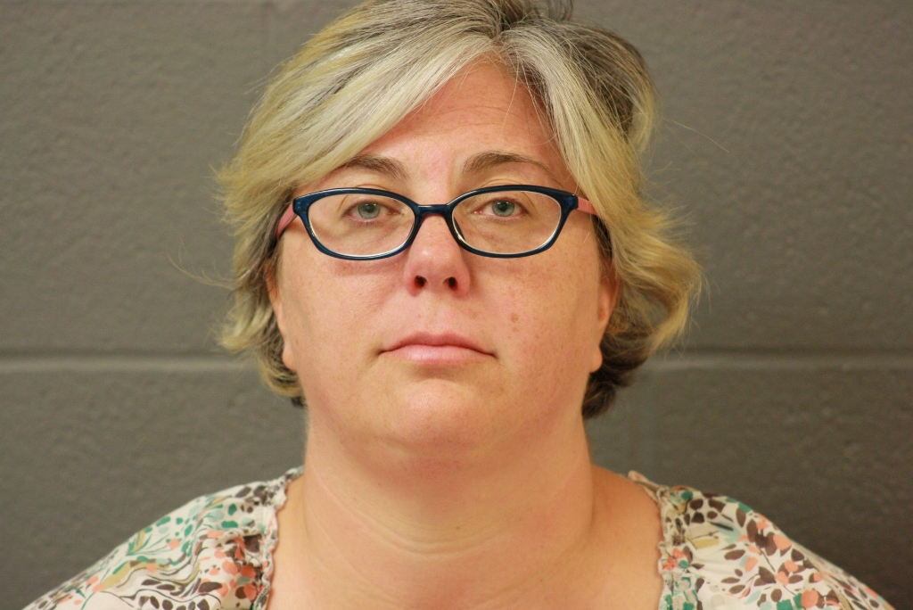 Hearing set for former teacher indicted over affair with student