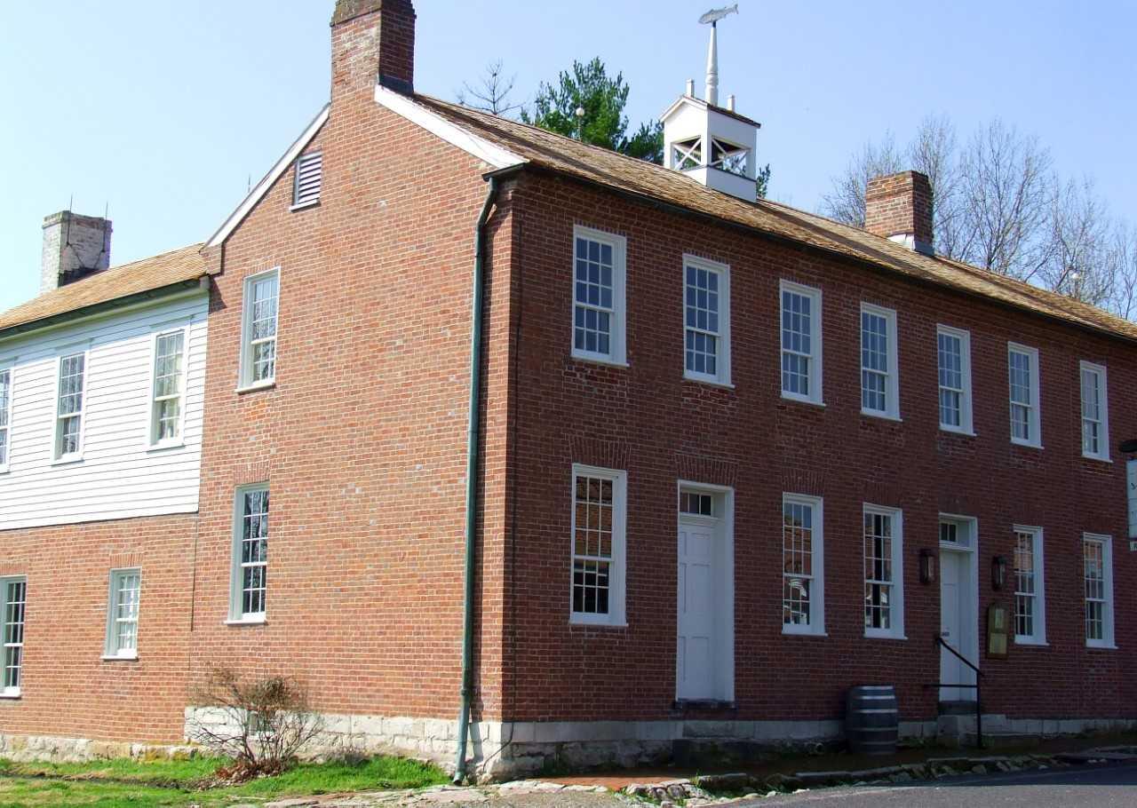 Historic tavern in Arrow Rock under new leadership