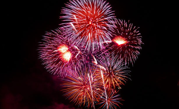 Big Mo. rated tops in fireworks sales