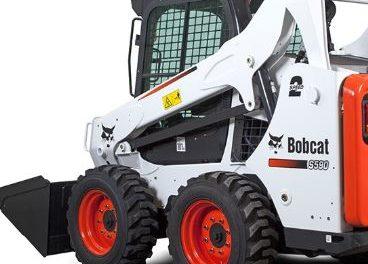 Bobcat accident kills a California Missouri man