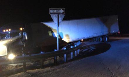Semi crash delays traffic near Wheeling