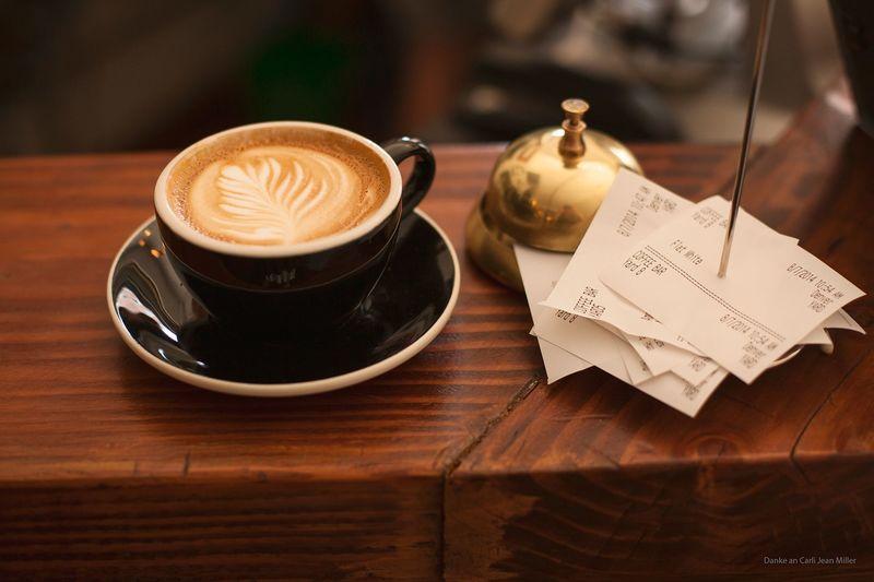 Wandfarbe Cappuccino Braun.