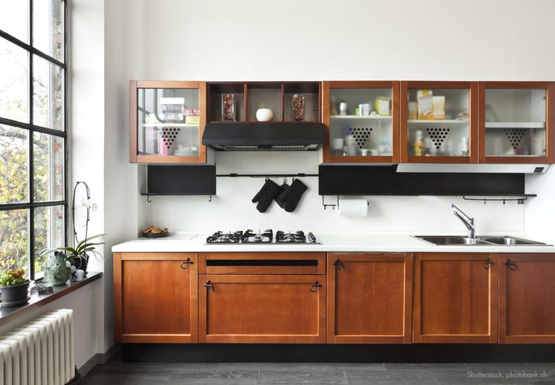 Eine Küche Mit Hellen Wandfarben.