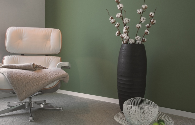 wandfarbe dunkel wandfarben in dunkelgr n kolorat. Black Bedroom Furniture Sets. Home Design Ideas