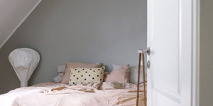 Kolorat wandfarbe greige bett schlafzimmer 5