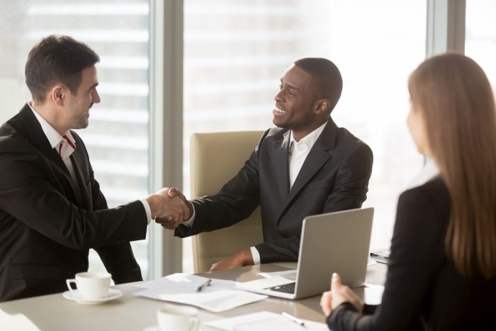 Exemplos de estratégia de marketing para atrair clientes