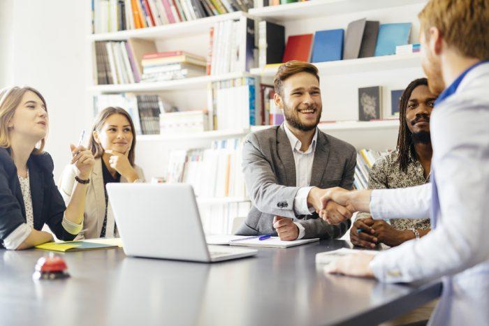 Customer success 16 passos para implementar na sua empresa