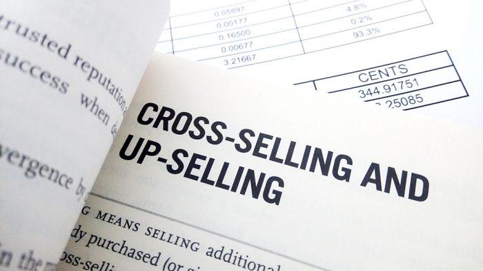 Diferença entre cross selling e upselling