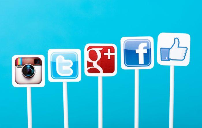 Assinatura de email Adicione os ícones/links das suas redes sociais
