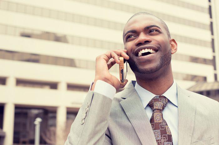 """Cold Calling: Como não perder a atenção do seu cliente na hora do """"alô"""""""