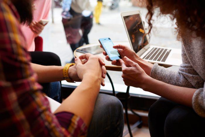 Pesquise nas mídias sociais