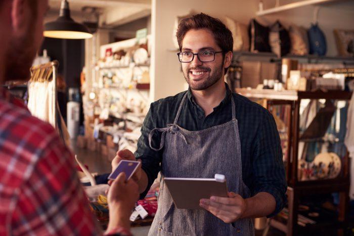 Como ser um bom vendedor: 17 dicas para vender mais em 2018