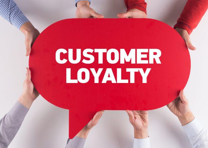 Como fidelizar clientes? 10 estratégias para encantar seus clientes