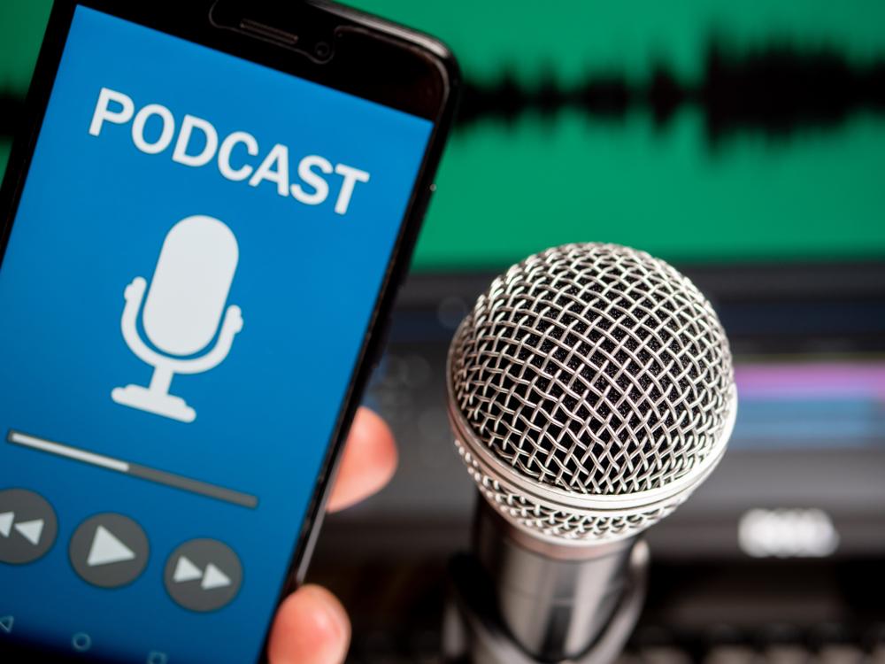 Como fazer um podcast para o seu negócio em 12 passos