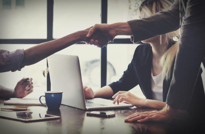 Cria um relacionamento com o cliente