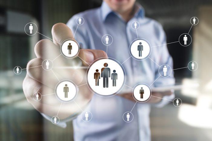 Qual profissional de marketing digital preciso na minha equipe?