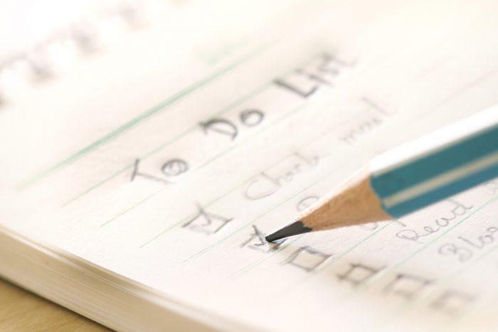 Organize a sua rotina no dia anterior ou no começo do dia