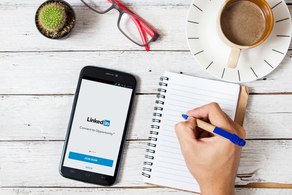 9 dicas práticas de como prospectar clientes no LinkedIn