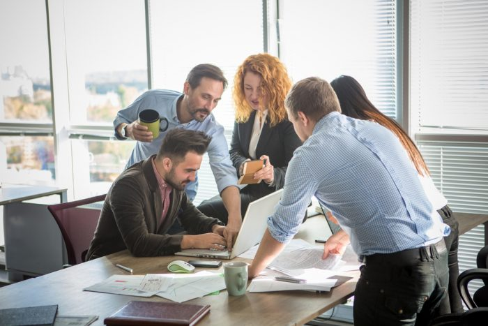 Estimula el compromiso de colaboradores con tu negocio