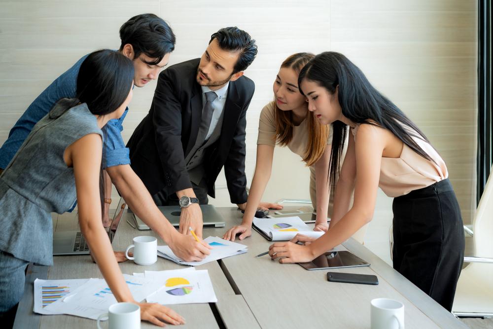 Comunicação interna: o que é, 10 dicas e diferença de endomarketing |