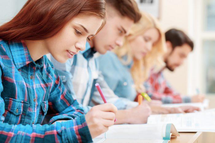 Como funciona e quais são as fases do brainwriting?