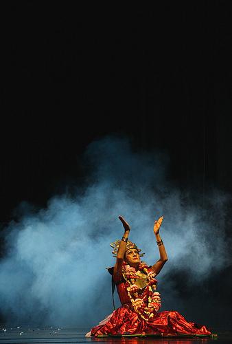 Didik Nini Thowok, Indonesian transgender performance artist.