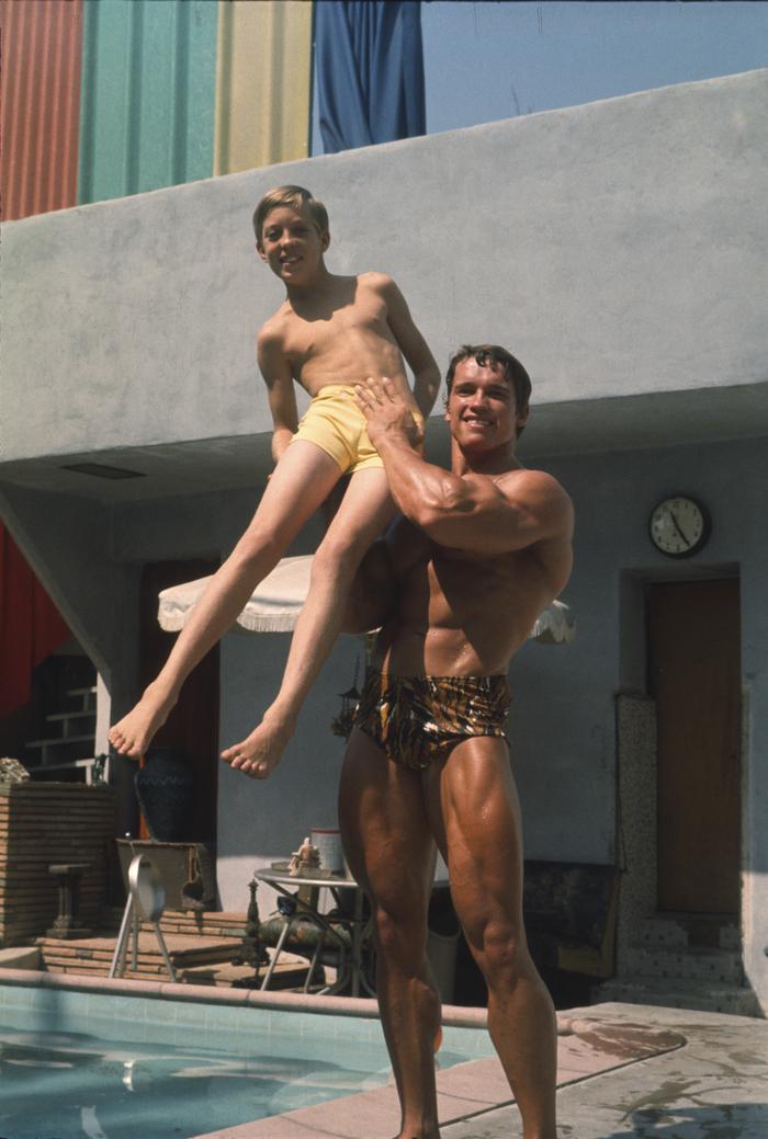 Arnold Schwarzenegger & Boy, 1975