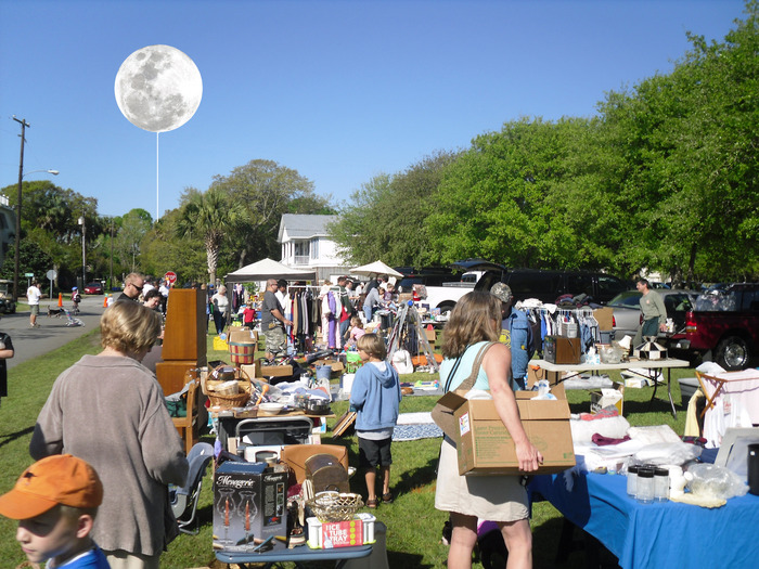 Lune at your yard sale