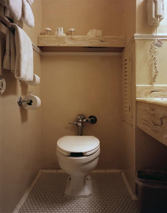 Toilet, Room 273