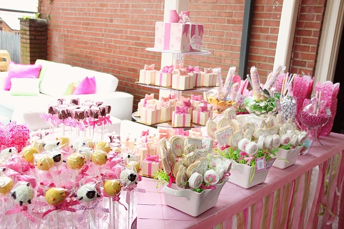 Our sweet tablescapes are irresistable to the eyes and tastebuds!