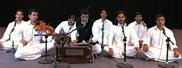 [The full group of Riyaaz Qawwali (1/2012)]