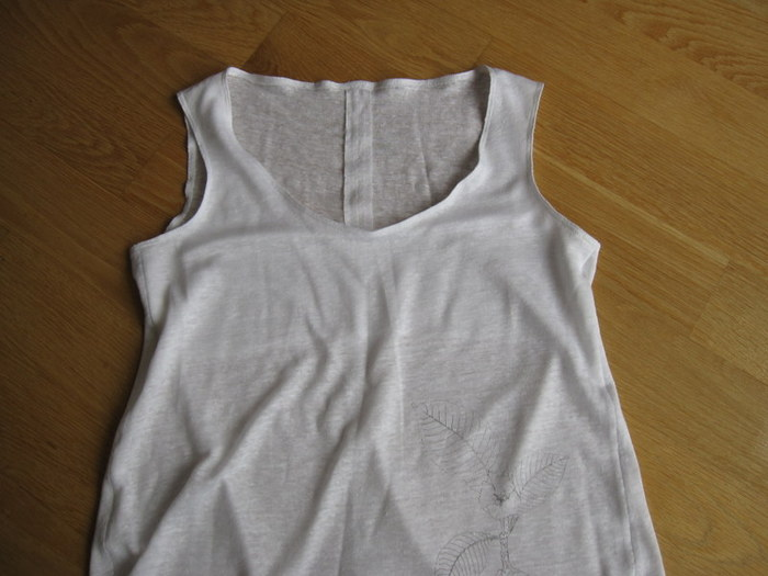 Linen jersey tank, with screen print at hip