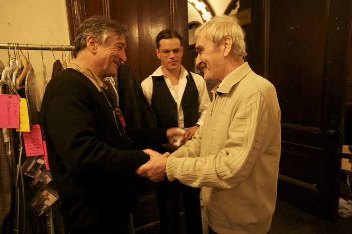 During Stanislav's visit to the USA to receive his award at the United Nations, he is greeted by actors Robert De Niro and Matt Damon.