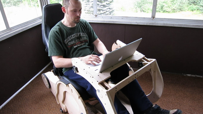The GO-GO Laptop Workstation