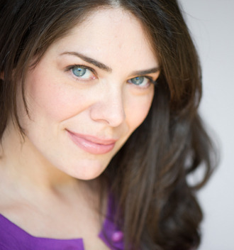 Jennifer Fontaine as Maxine