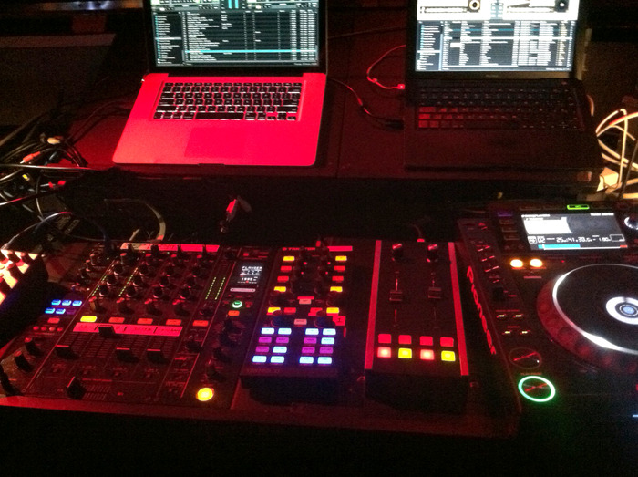 Pitch in the club with Traktor Scratch Pro and Traktor Kontrol X1