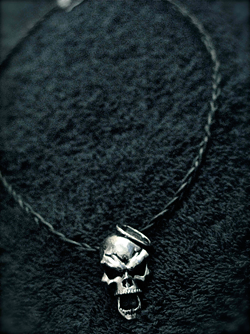 The Duality necklace.