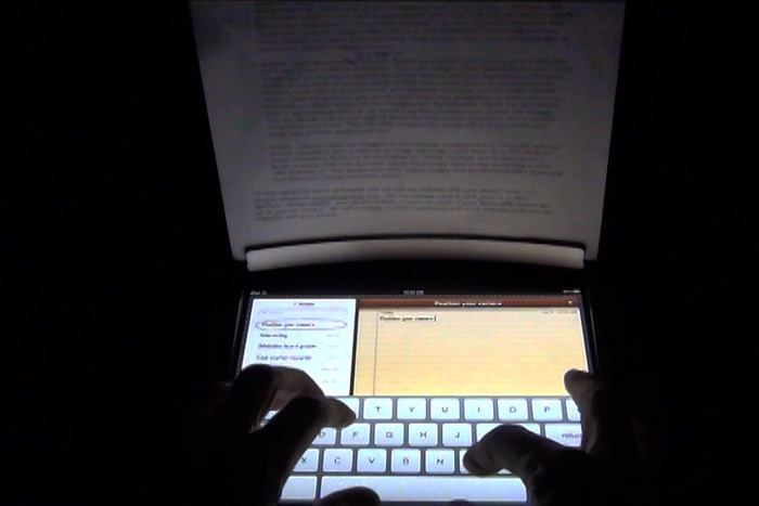 Use the iPad screen to illuminate documents held by Radiul Mobile.