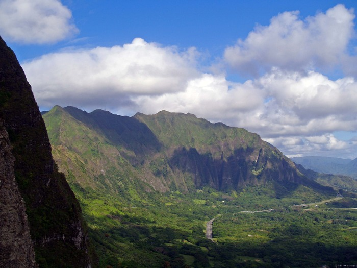 You'll see this panoramic view of Windward Oahu from the Pali Lookout, and learn more about the battles fought by Kamehameha to unite the islands, the ghost stories on the Pali Lookout, the sleepy town of Kailua & more!