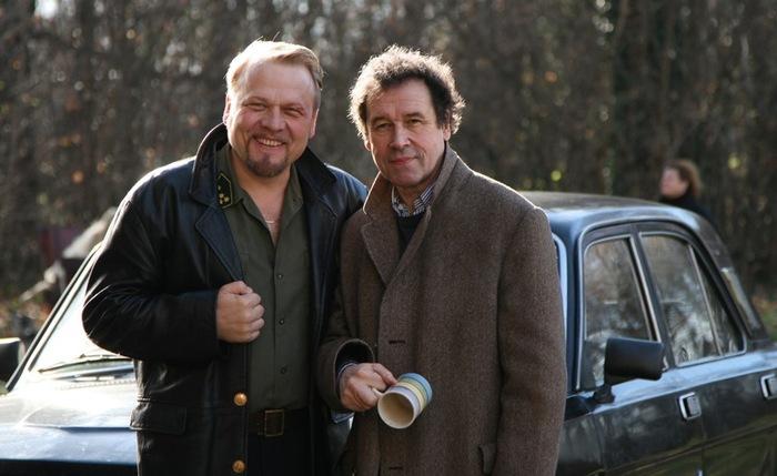 Stephen Rea and Jacek Lenartowicz on set