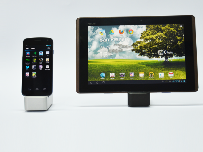 Samsung Galaxy Nexus and Asus Transformer on CompleteDock Mini