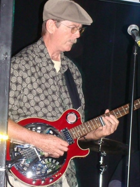 Billy Flynn - guitar, vocals, harmonica
